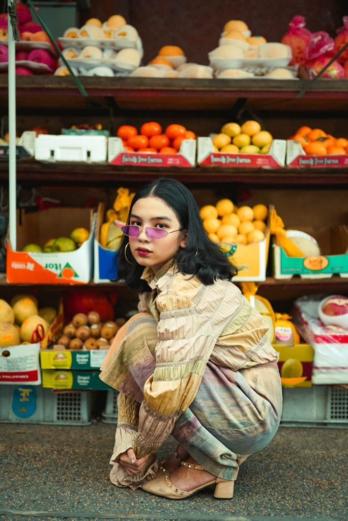 femme fruits lunettes